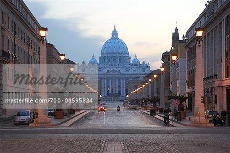Via della Conciliazione et la Basilique de Saint Peter, Rome, Italie