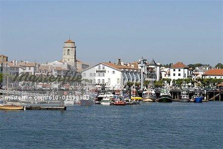 France, Aquitaine, Saint Jean de Luz, harbour and Saint John the Baptist Church