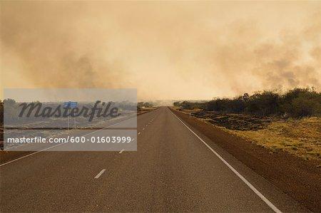 Feu de brousse, territoire du Nord, Australie