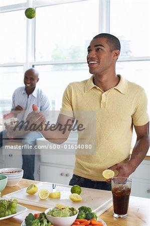 Préparation de la nourriture des hommes