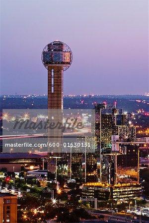 Skyline de Dallas au crépuscule, Texas, Etats-Unis