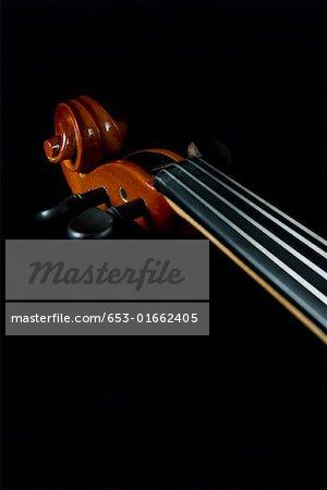 Cou et défilement de violon