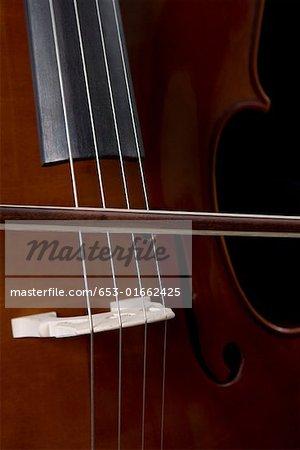Detail eines Musikers Cello spielen