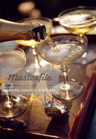 Verres de Champagne et de la bouteille