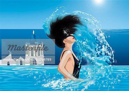 Femme en renversant ses cheveux hors de l'eau de piscine