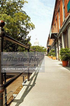 Walkway in front of stores, Savannah Cotton Exchange, Savannah, Georgia, USA