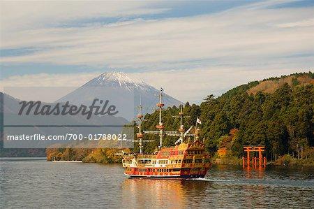 Bateau d'excursion sur Ashinoko et le Mont Fuji, Hakone, Honshu, Japon