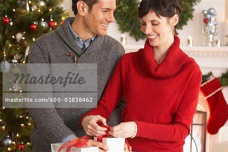 Paar Umhüllung Geschenke