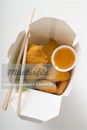 Chicken Nuggets mit Süß-saurer Sauce zum Mitnehmen
