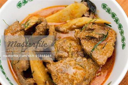 Curry de boeuf aux pousses de bambou (Thaïlande)
