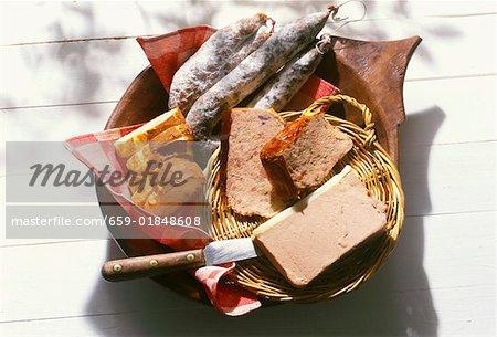 Pâtés et saucissons français