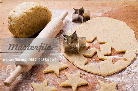 Ausschneiden sternförmige Kekse