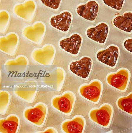 Herstellung von Pralinen: Kirsch Trüffel Herzen machen