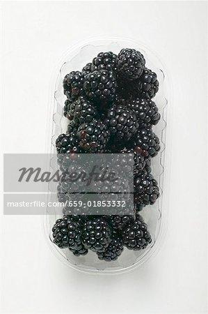 Fresh blackberries in a plastic punnet