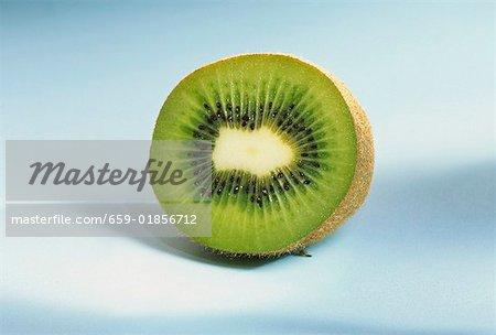 Eine halbe Kiwi-Frucht