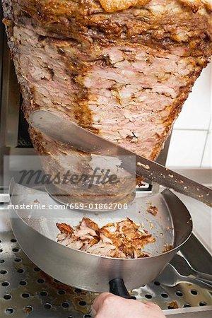 Tranchage döner kebab