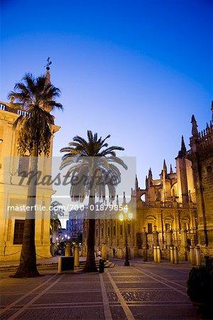 Plaza del Triunfo et Cathédrale de Santa Maria de la Sede, Séville, Espagne