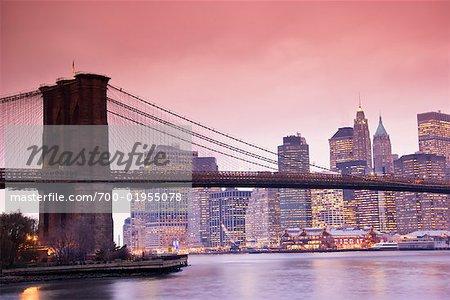 Pont de Brooklyn et Manhattan Skyline, New York City, New York, USA