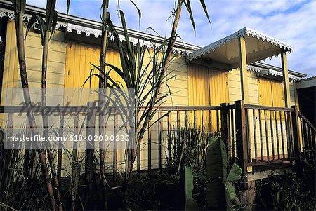 Réunion, maison en bois de style colonial