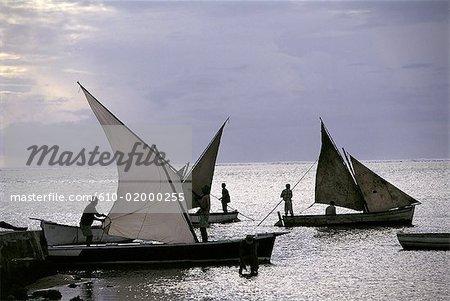 Maurice, bateaux de pêche traditionnels avec des voiles