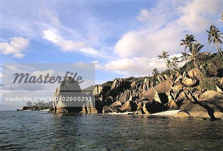 Seychelles, La Digue, Anse Source d'argent, les rochers de granit