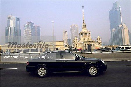 China, Shanghai, trafic on urban freeway