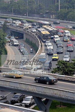 Trafic de Chine, Beijing, sur les routes à partir des remparts