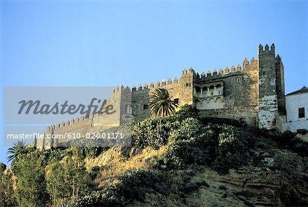 Espagne, Andalousie, ville de Arcos de la Frontera et murs