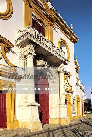 Espagne, Andalousie, Séville, plaza de la deToros de la Maestranza, façade et porche