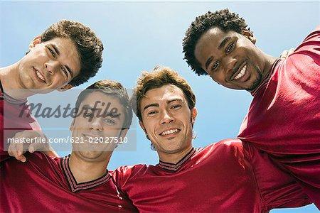 Low Angle View of lächelnd Fußballmannschaft