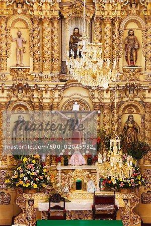 Altar der Kirche von San Fransisco, Acatepec, Cholula, Mexiko