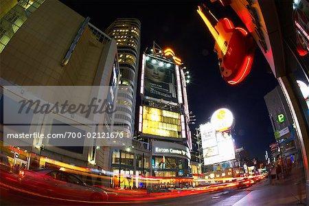 Eaton Centre, Toronto, Ontario, Canada la nuit