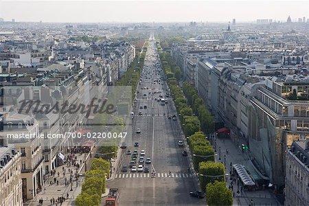 Vue d'ensemble des Champs Elysees de l'Arc de Triomphe, Paris, France