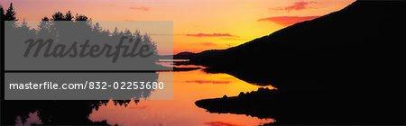 Coucher de soleil, lac Ballinahinch, Connemara Co Galway