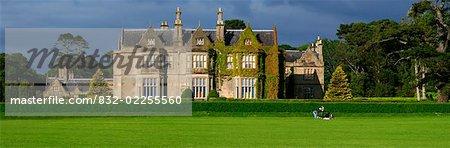 Muckross House, County Kerry, Irland; Herrenhaus und estate