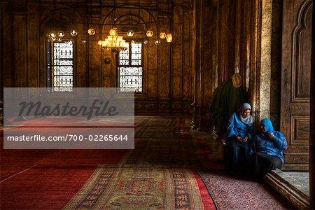 Femmes musulmanes dans la mosquée de Mohammed Ali, le Caire, Egypte