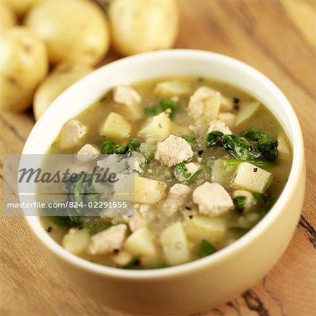 Poulet et épinards soupe