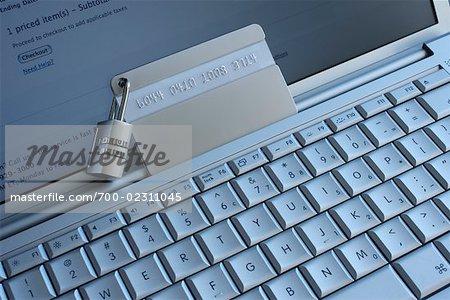 Verrouillage sur la carte de crédit, sur ordinateur portable