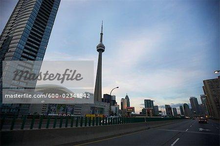 Vue du centre-ville de Toronto de la Gardiner Expressway, Ontario, Canada