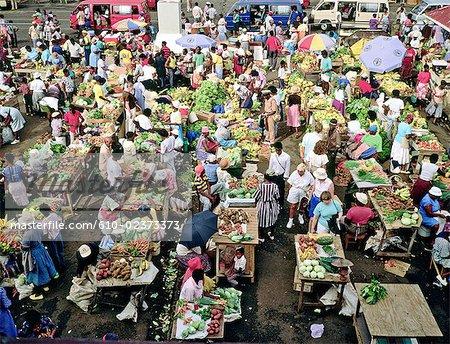 Grenade, Saint-Georges, place du marché