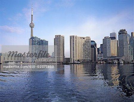 Canada, Ontario, Toronto, horizon de la ville à partir de l'île de Toronto