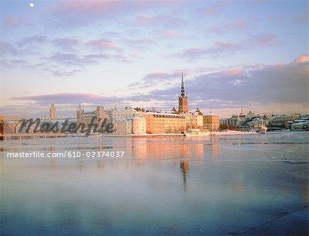 Sweden, Stockholm, Gamla Stan: old city, Riddarholmen island in winter