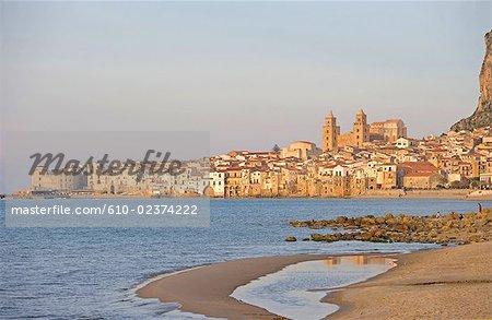 Italie, Sicile, Cefalù, vue générale