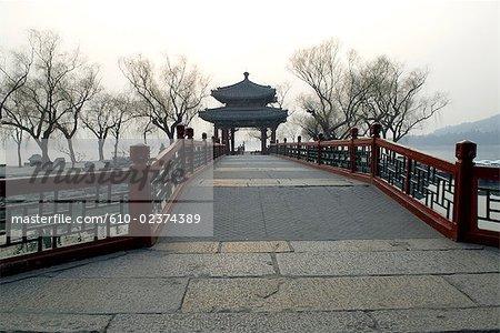 """China, Beijing, Summer Palace """"Yiheyan"""", bridge on the Kunming lake"""