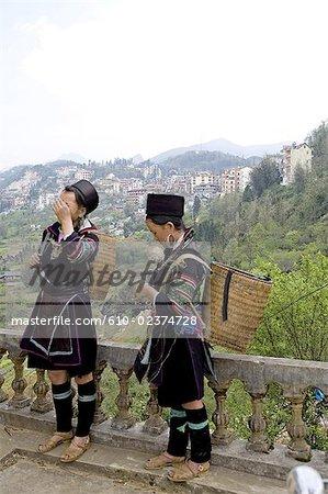 Vietnam, sidibe, Hmong jeune femme en costume traditionnel.