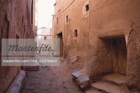 Ruelle dans la Casbah, Ouarzazate, Maroc
