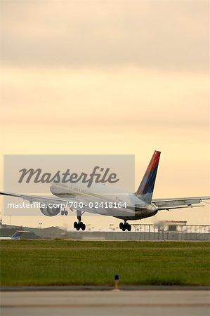 Airplane Taking Off, Hartsfield- Jackson International Airport, Atlanta, Georgia, USA