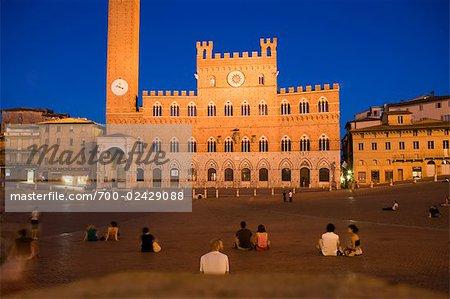 Palazzo Pubblico et la Torre del Mangia à Piazza del Campo, Sienne, Toscane, Italie