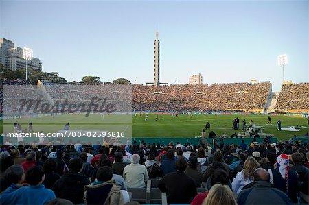Ventilatoren, die gerade ein Fußballspiel, Centenario Stadium, Montevideo, uruguay
