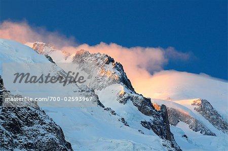 Lever du soleil sur le Massif du Mont Blanc, Chamonix, France